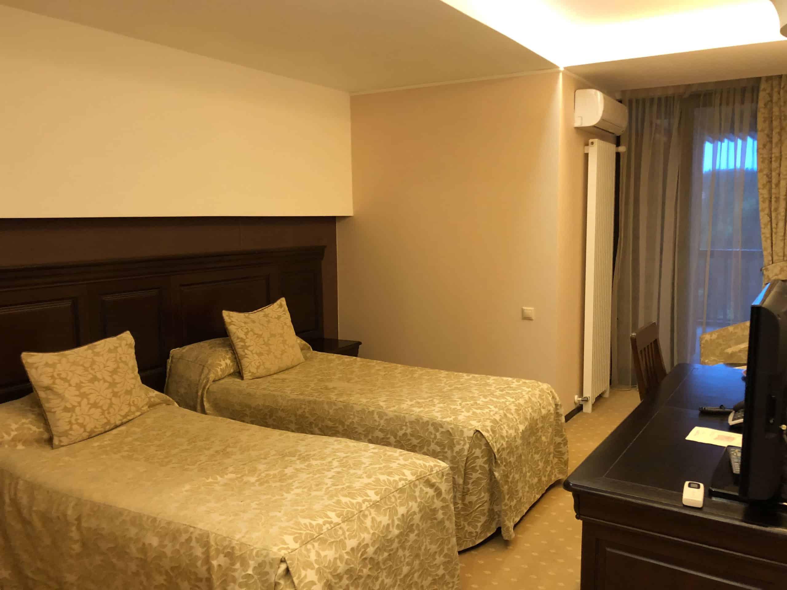 החדר במלון אלפין